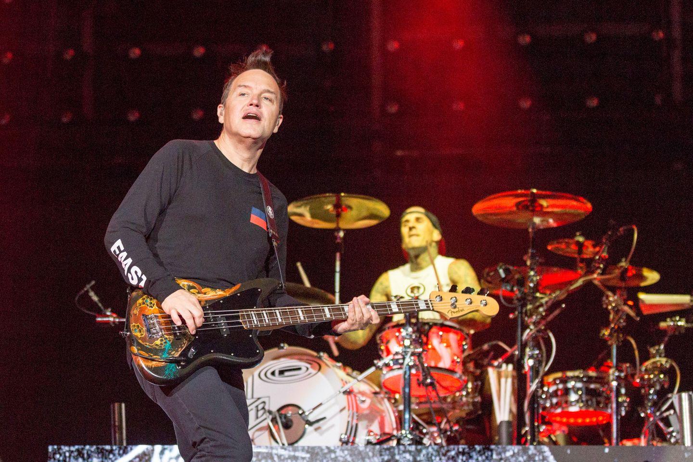 Blink-182 cancela presentación en el Riot Fest debido a la salud de Travis Barker
