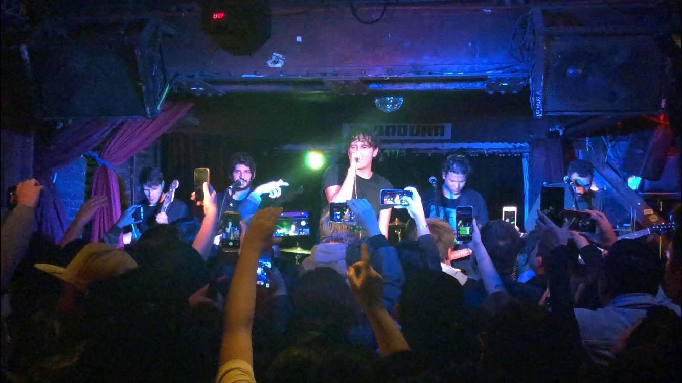 Insite presentó a su nuevo vocalista en Caradura