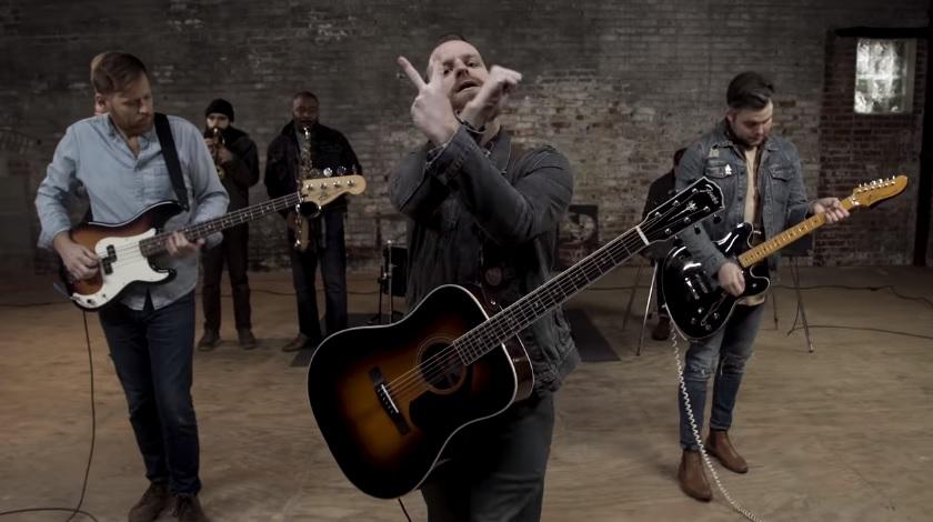 Aaron West & The Roaring Twenties confirma nuevo disco y lanza sencillo