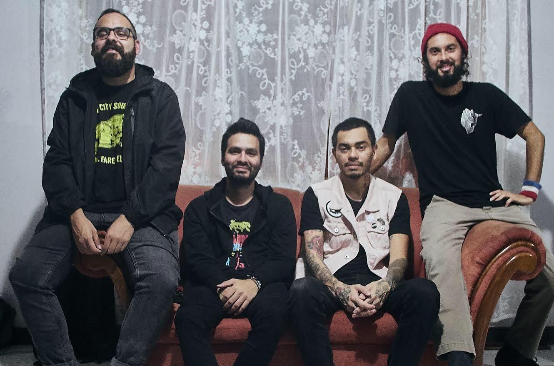 Ticking Time Bomb estrena videoclip seis pies bajo tierra