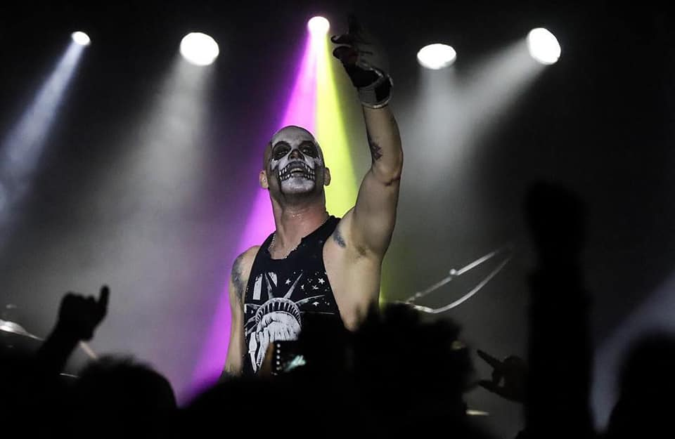 American Monster, Michale Graves en México