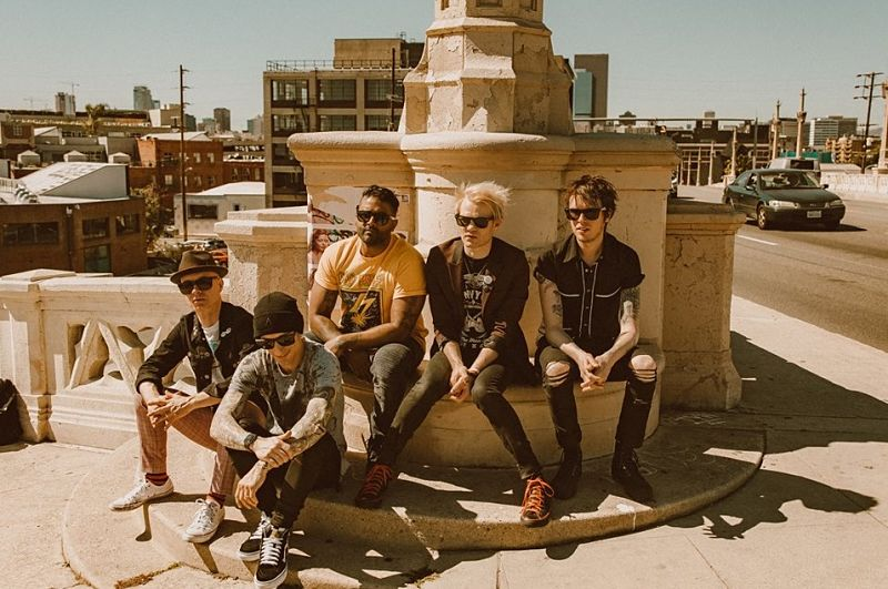 "Sum 41 anuncia nuevo disco y estrena sencillo ""Out For Blood"""