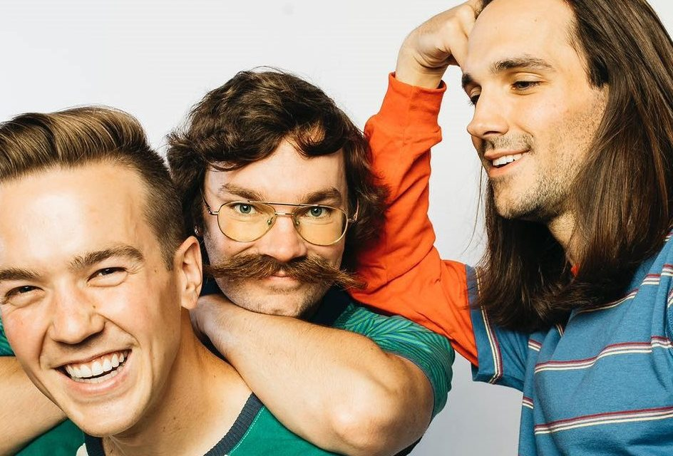 Tiny Moving Parts firma con Hopeless Records y anuncia nuevo disco