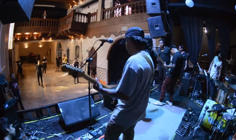 """Camiches comparte del vídeo de su sencillo """"Las Luces"""""""