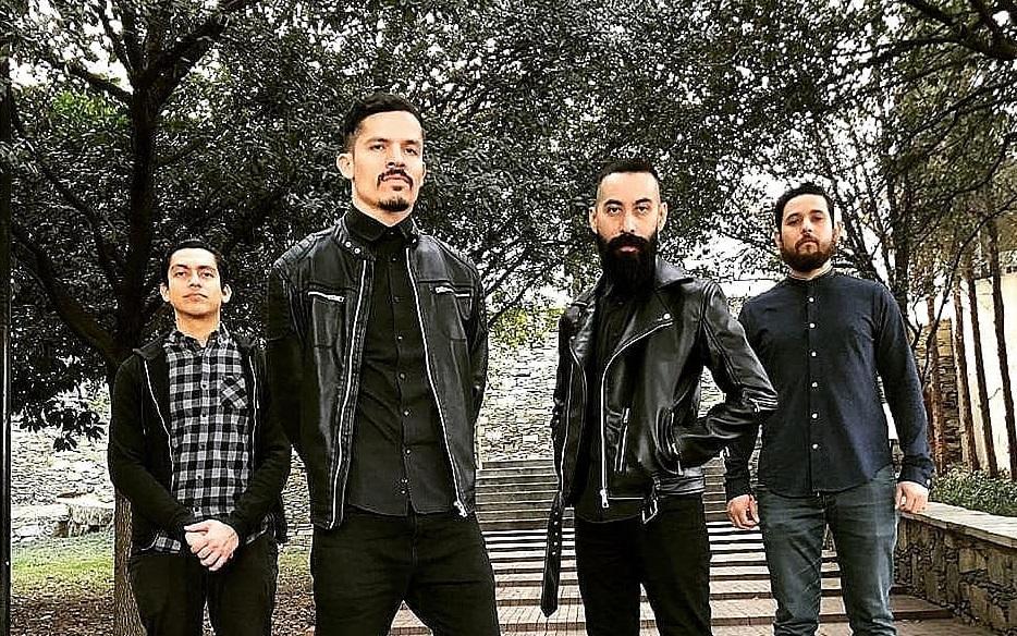 """RojoAzul comparte el video de su nuevo sencillo """"Del Olvido"""""""