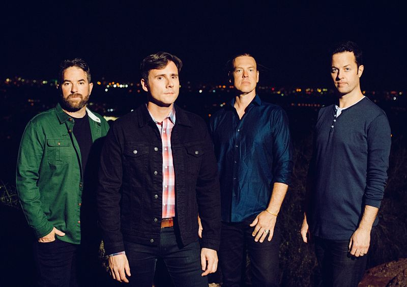"Jimmy Eat World publica su nuevo álbum de estudio titulado ""Surviving"""