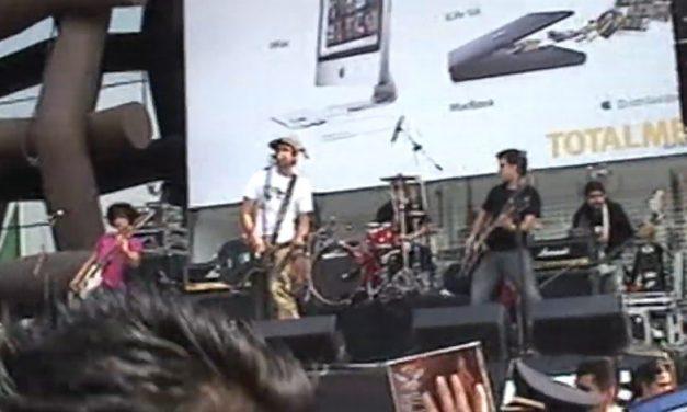 Chequen la presentación de Allison, Delux y Masappan en Plaza Satélite en 2007