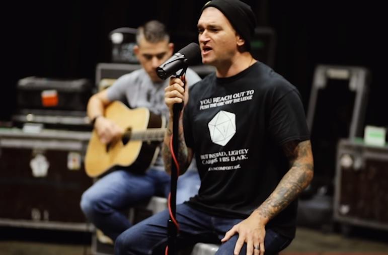 "New Found Glory lanza versión acústica de su canción ""My Friends Over You"""