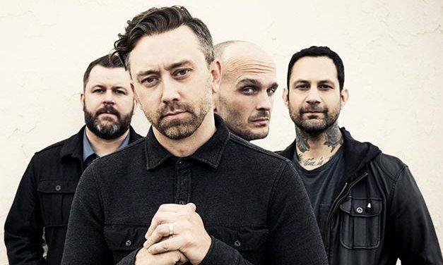 """Rise Against lanzó una reedición su álbum 'The Black Market' con tres """"nuevas"""" canciones"""