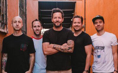 Simple Plan anuncia la salida de su bajista tras denuncias por acoso sexual