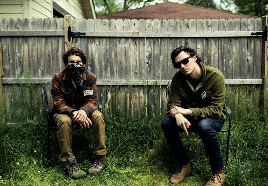"""The Front Bottoms anuncia nuevo álbum """"In Sickness & In Flames"""""""