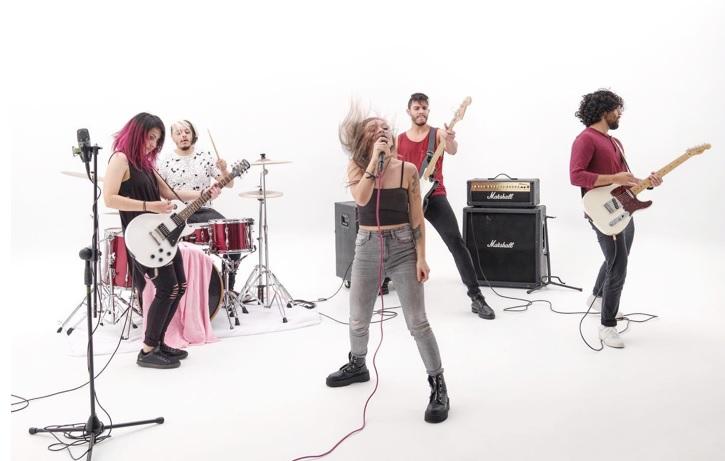 """#ENTREVISTA: """"Ya No Estoy Aquí"""", marca el regreso de la banda colombiana Toke Rosa"""