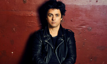Billie Joe Armstrong comparte cover a una canción de Wreckless Eric