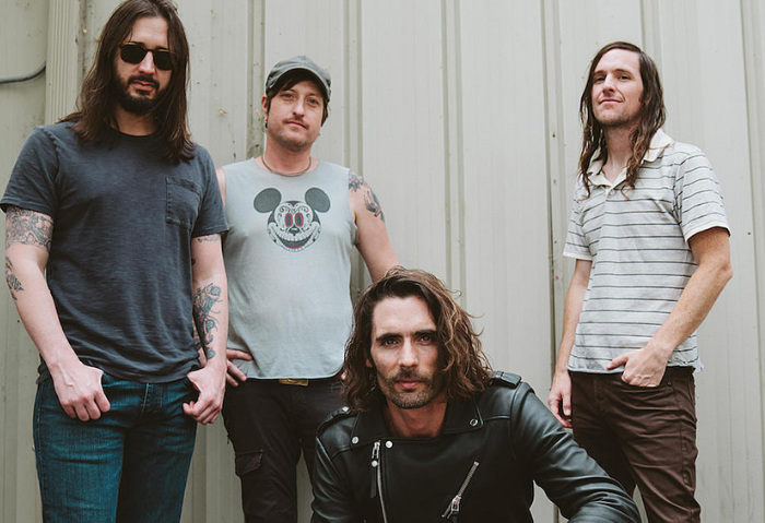 "The All American Rejects lanzan nueva canción titulada ""Me vs. The World"""