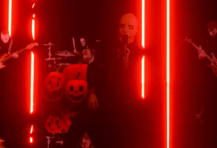 SlipNeck regresó para celebrar Halloween durante transmisión en vivo