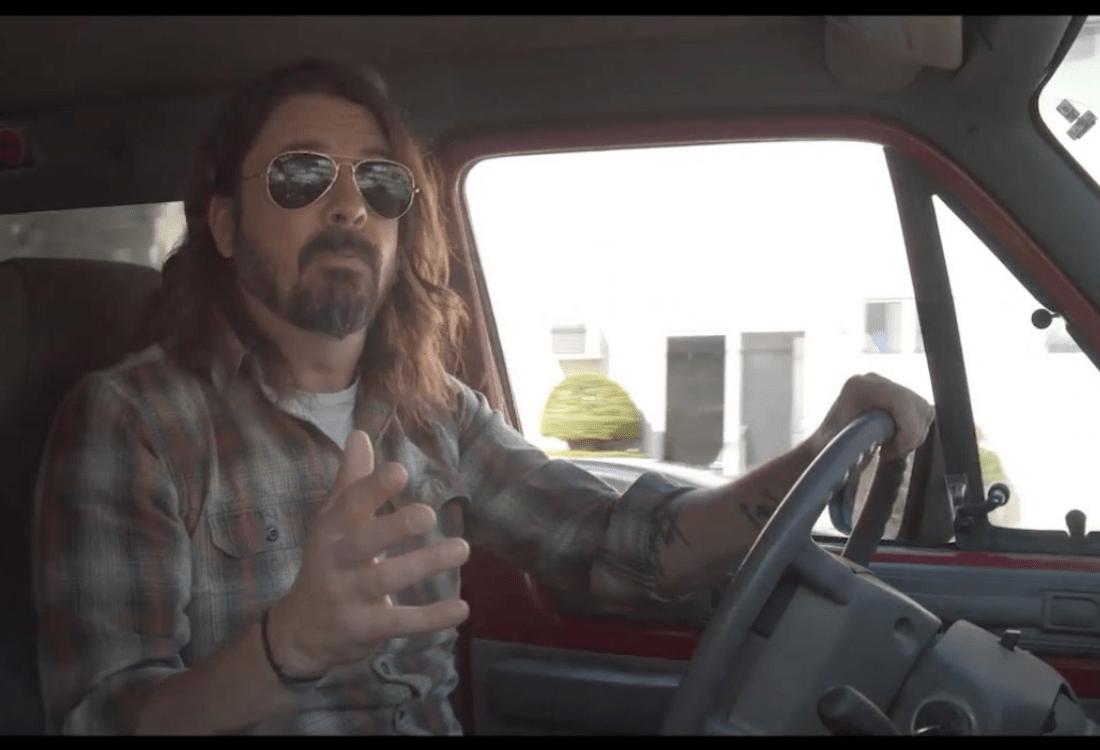 """Dave Grohl comparte el tráiler de su nuevo documental titulado """"What Drive Us"""""""